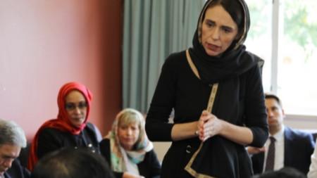Новозеландският премиер Джасинда Ардърн се среща с представители на мюсюлманите