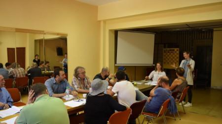 """Подробности за постановката """"Вапцаров - песни за човека"""", чиято премиера ще бъде на 24 октомври, бяха представени на пресконференция в Благоевград."""