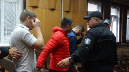 През юли тримата молдовци бяха осъдени от Окръжния съд в Стара Загора на 4 години и 8 месеца затвор, след като се признаха за виновни за взривяването на два банкомата в Казалък и Стара Загора.