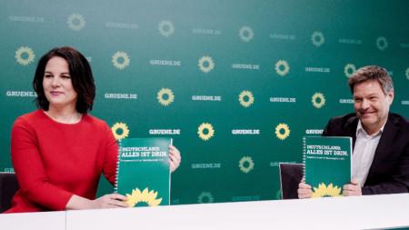 Лидерите на Зелените Анелена Бербок и Робърт Хабек