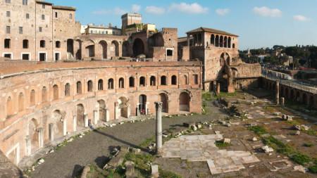 Пазарът на император Траян, построен от Аполодор от Дамаск