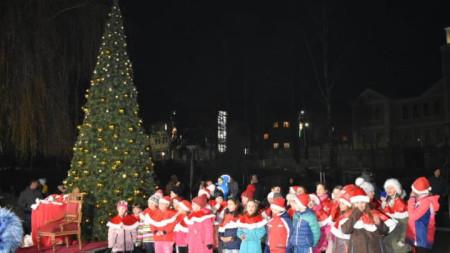 Коледната елха в Чепеларе