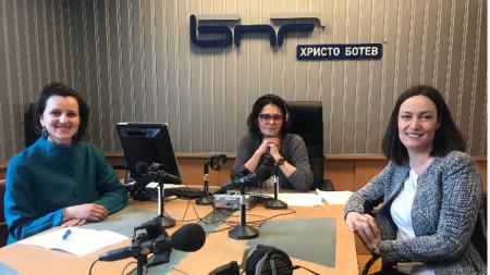 Анна Капитанова, Михайлина Павлова (водещ) и Меглена Димитрова