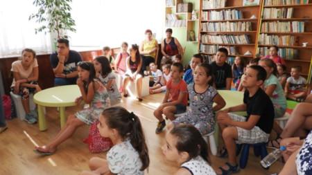 Снимка от първата будителска работилница, която се проведе на 08.07.2019 година в Регионална библиотека - Враца.