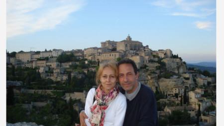 Робин Кафалиев със съпругата си Ренета Викторова в Люберон, Франция