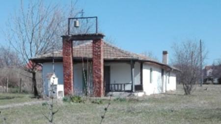 Църквата в Ливада