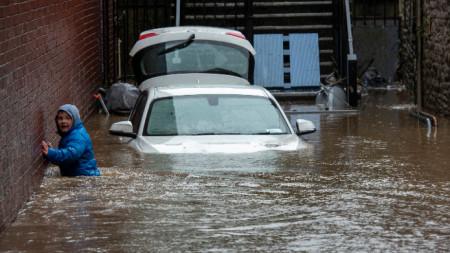 Денис предизвика наводнения във Великобритания през уикенда.