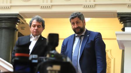 Тошко Йорданов и Христо Иванов след една от консултациите в Народното събрание