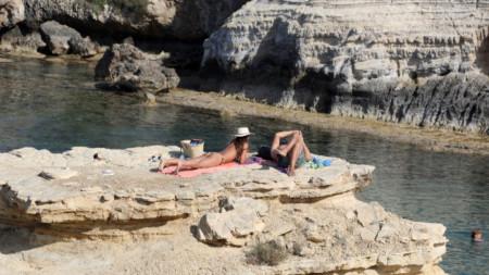 Два плана са разработени специално за жизненоважния за Кипър туризъм.