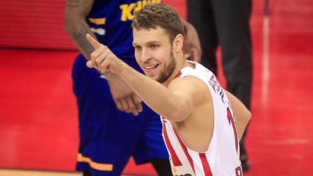 Везенков ще играе виртуално баскетбол.