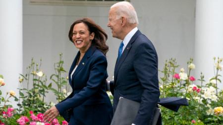 Вицепрезидентката на САЩ Камала Харис с държавния глава Джо Байдън.