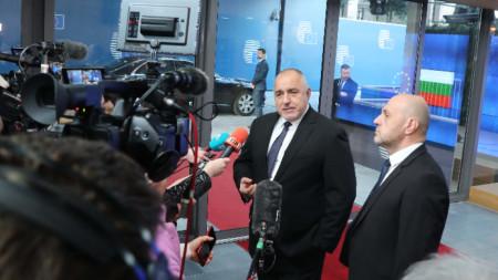 Премиерът Борисов и вицепремиерът Дончев на брифинг в Брюксел