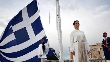 Сопраното Анастасия Зани изпя гръцкия национален химн на юбилейните събития за 200 години от Революцията от 1821 г.