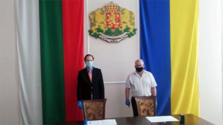 В края на юни т.г. бе подписано споразмение, с което България предоставя безвъзмездна финансова помощ по проект за ремонт и оборудване на помещения в Приморския регионален украинско-български лицей