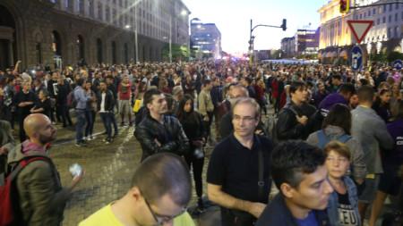 Стотици излязоха на пореден протест в София срещу избора на Иван Гешев за главен прокурор.