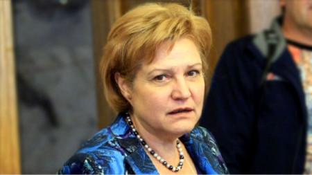 Менда Стојанова