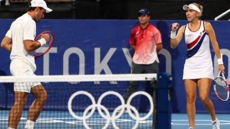 Карацев и Веснина са на финал.