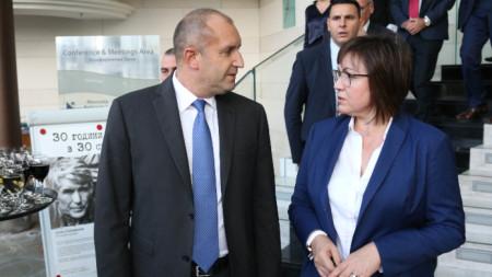 Президентът Румен Радев и лидерът на БСП Корнелия Нинова