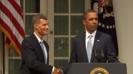 Икономическия съветник на Белия дом Алън Крюгер и президента Барак Обама