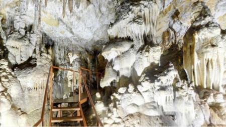 Фотографиjа: Facebook /Пещера Добростански бисер