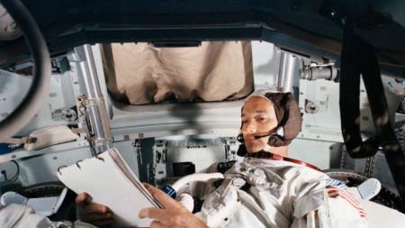 астронавта Майкъл Колинс