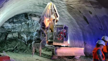 Срутването на скална маса при изграждането на тунел