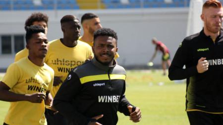 Футболистите на Ботев тренират в Турция