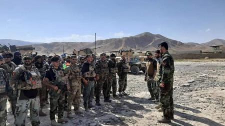 Афганистански командоси пристигнаха като подкрепление на силите за сигурност във Файзабад, столица на северната провинция Бадахшан, където талибани вече контролират 6 окръга.