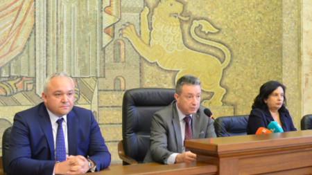 """Янаки Стоилов говори на дискусията на тема """"Достъпно и ефективно правосъдие чрез изработване на нова съдебна карта"""""""
