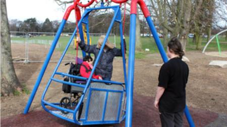 Люлка за деца в инвалидни колички в Русе
