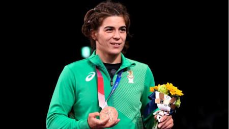 Тайбе Юсеин с бронзовия си медал.