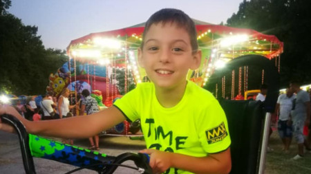 10- годишният Александър Господинов