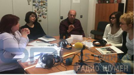 Изнесено студио на Радио Шумен в Исперих.