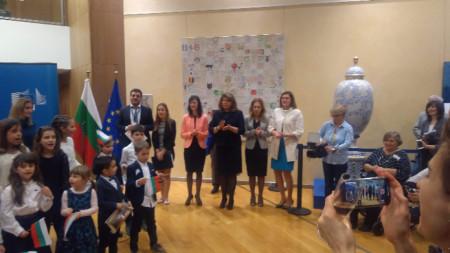 Еврокомисарят Мария Габриел, вицепрезидентът Илиана Йотова и вицепремиерът Марияна Николова бяха сред гостите на празника.