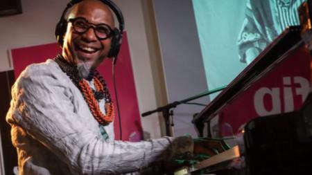 Омар Соса представя новия си албум в студиото на FIP (Radio France)