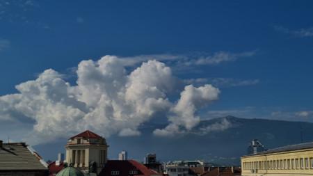 Sofia mit Blick auf das Witoscha-Gebirge