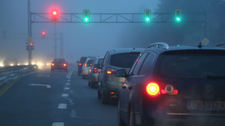 МВР и АПИ обявиха, че вземат мерки за облекчаване на трафика.
