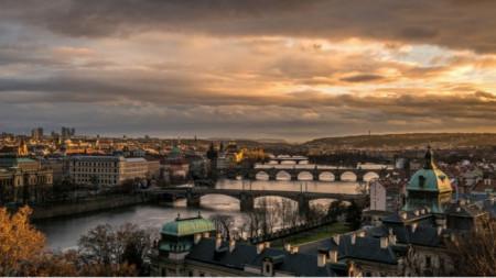 Изглед към Прага