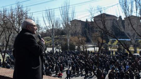 Вазген Манукян на митинг в Ереван, 26 февруари 2021 г.