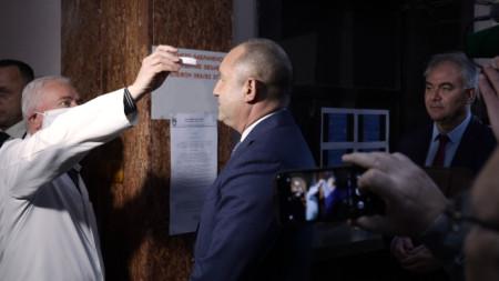 Изправени сме пред сериозно предизвикателство, заяви в Плевен държавният глава Румен Радев.