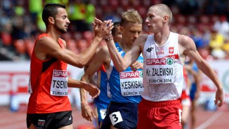 Митко Ценов (вляво) даде четвърто време в историята на 1500 м у нас.