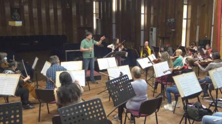 Момент от репетицията на Плевенската филхармония