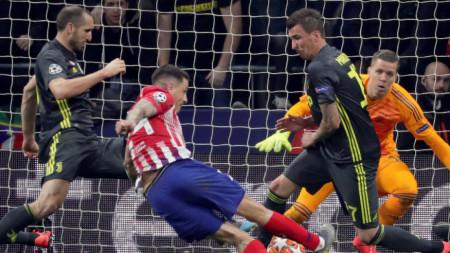 Атлетико (Мадрид) на крачка от четвъртфиналите в Шампионската лига