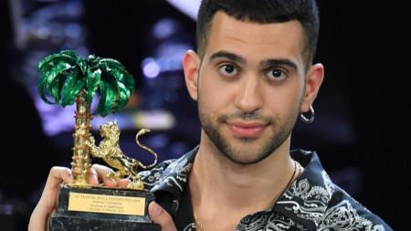 """Победителят на """"Санремо"""" Махмуд (26 г.) е роден в Милано, баща му е египтянин, а майка му е от Сардиния."""
