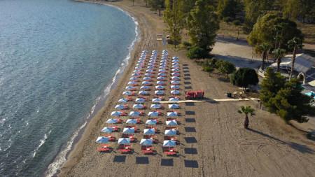 Плаж в Каратона, Пелопонес, Гърция.