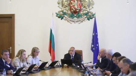 """Правителството определи държавното дружество """"Български пощи"""" да извършва дейността по разпространение и продажба на печатни издания на територията на страната"""