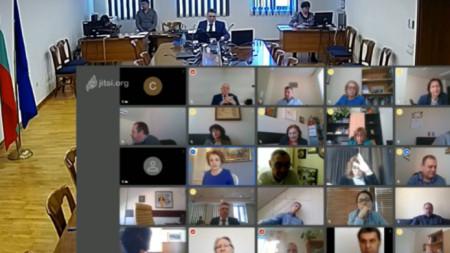 Днес се проведе заседание на Пленума на Висшия съдебен съвет. Заседанието беше онлайн. В сградата на ВСС дойде министърът на правосъдието Данаил Кирилов.