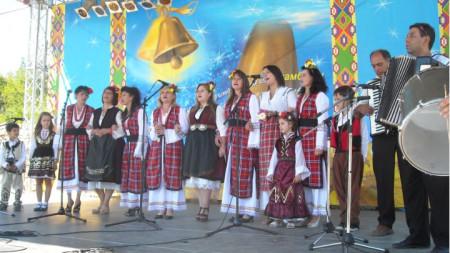 Самодейците от село Кърнаре