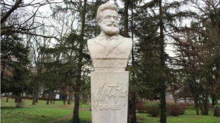 Паметник на Христо Ботев в Разград