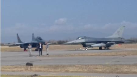 Миг-29 и Ф-16 на АБ
